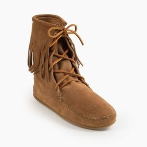 Minnetonka Tramper Boot Taupe Suede Ankle Lace-up